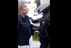 VIDEO |Quién es la conductora que se bajó del auto para humillar a vendedora ambulante en Las Condes