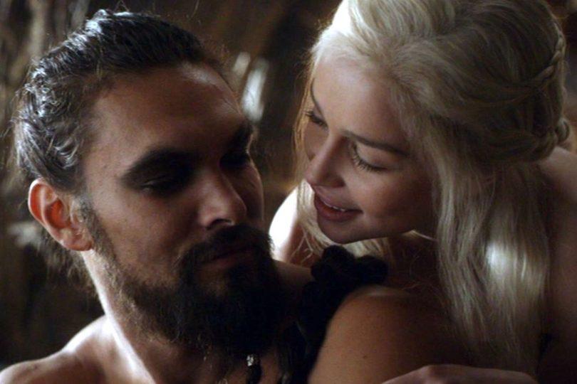 """Actor de Game Of Thrones afirma que la serie le permitió """"violar a hermosas mujeres"""" y desata la polémica"""