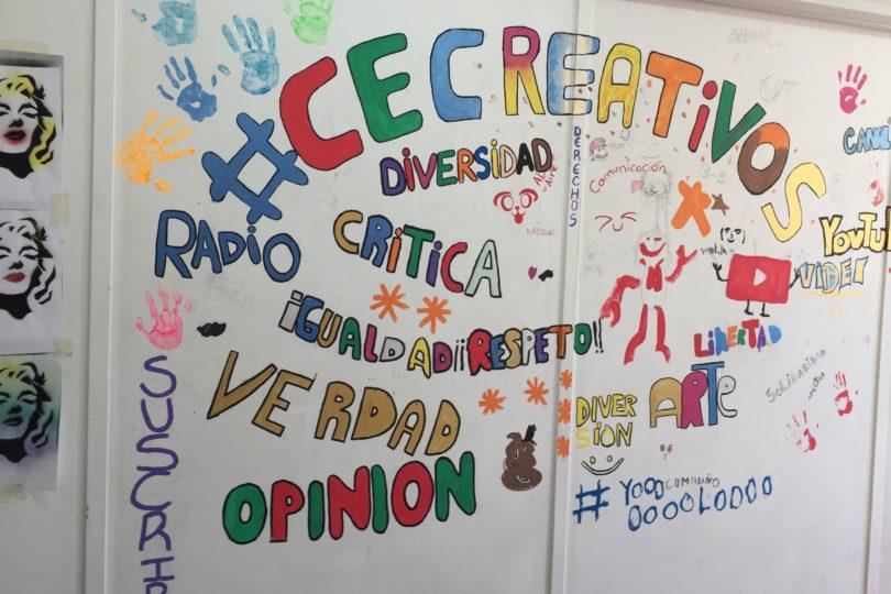 Un día en la escuela de YouTubers para niños en La Legua