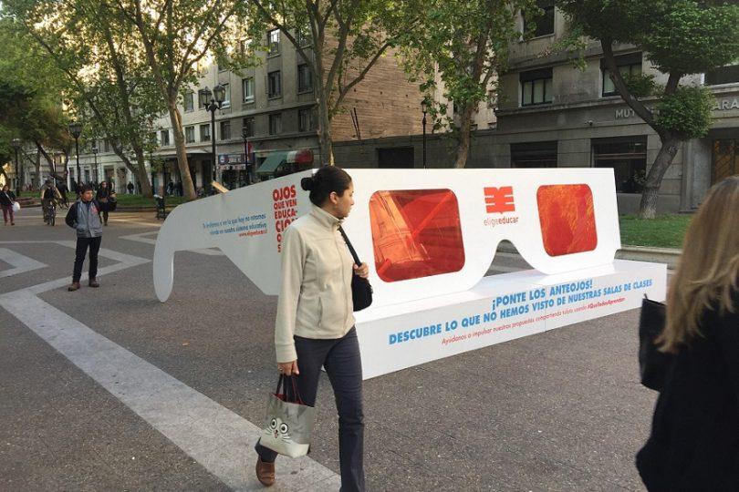 Intervención urbana invita a conocer las 5 propuestas presidenciales de Elige Educar