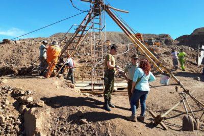 """Intendencia de Antofagasta confirma que mineros atrapados en Taltal """"se encuentran con vida"""""""