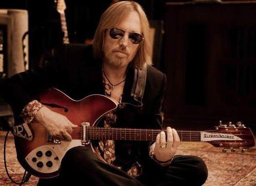 """""""El rock está de luto: Tom Petty presenta muerte cerebral"""""""