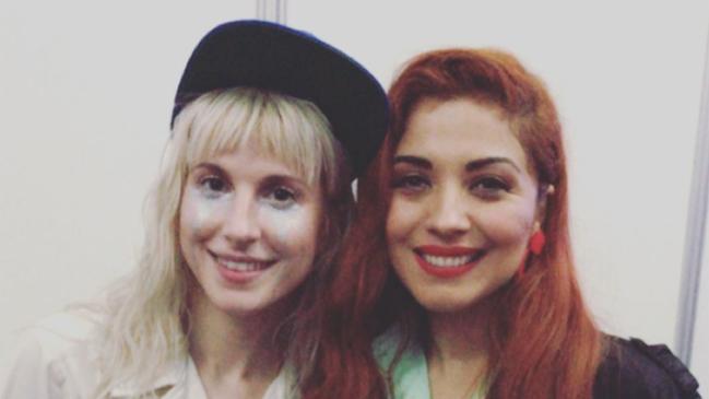 Cómo se gestó el encuentro entre Mon Laferte y Haley Williams, vocalista de Paramore
