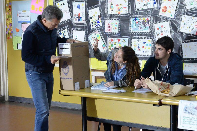 Elecciones parlamentarias en Argentina: oficialismo se impuso en las urnas