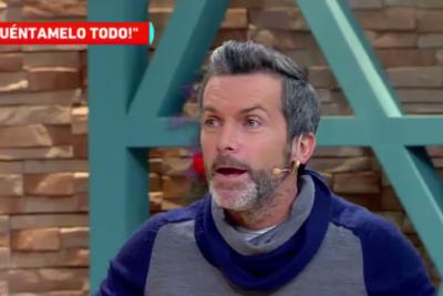 """Cristián Sánchez hace campaña por TVN y colega lo destruye por Twitter: """"Lo único que le importa es tener plata"""""""
