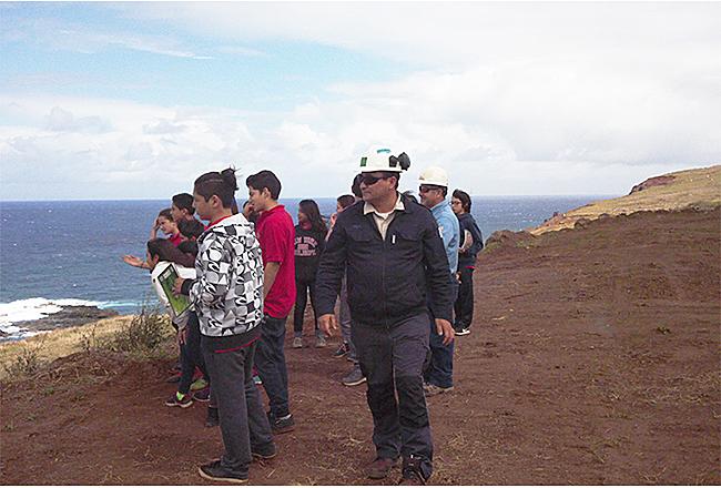 Escolares de Isla de Pascua visitan terminal marítimo y terrestre Vinapu