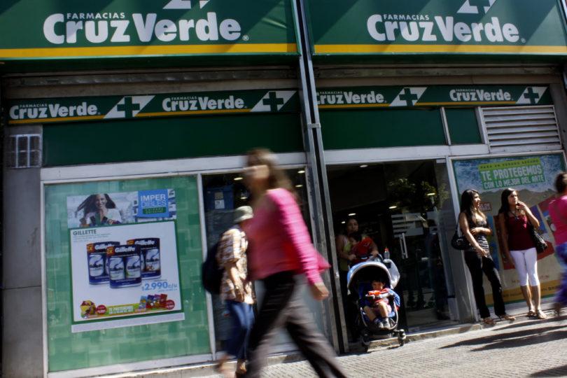 Sernac denunció a 11 locales de farmacias por no cumplir Ley del Consumidor
