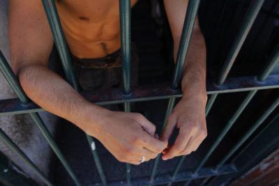 Justicia ordena a Gendarmería no vulnerar dignidad de presos