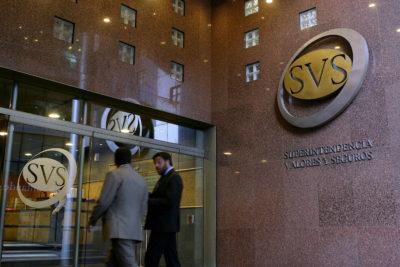 """Abogado de LarrainVial asegura que multa de SVS fue """"para satisfacer al vulgo"""""""