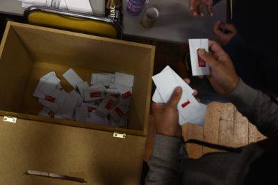 Gobierno estima que votará menos de la mitad del padrón y estudian viabilidad del voto electrónico