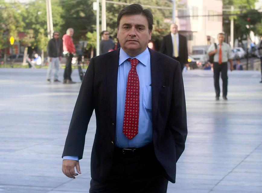 """""""Tribunal Electoral suspende a alcalde UDI Mario Olavarría por caso Basura"""""""