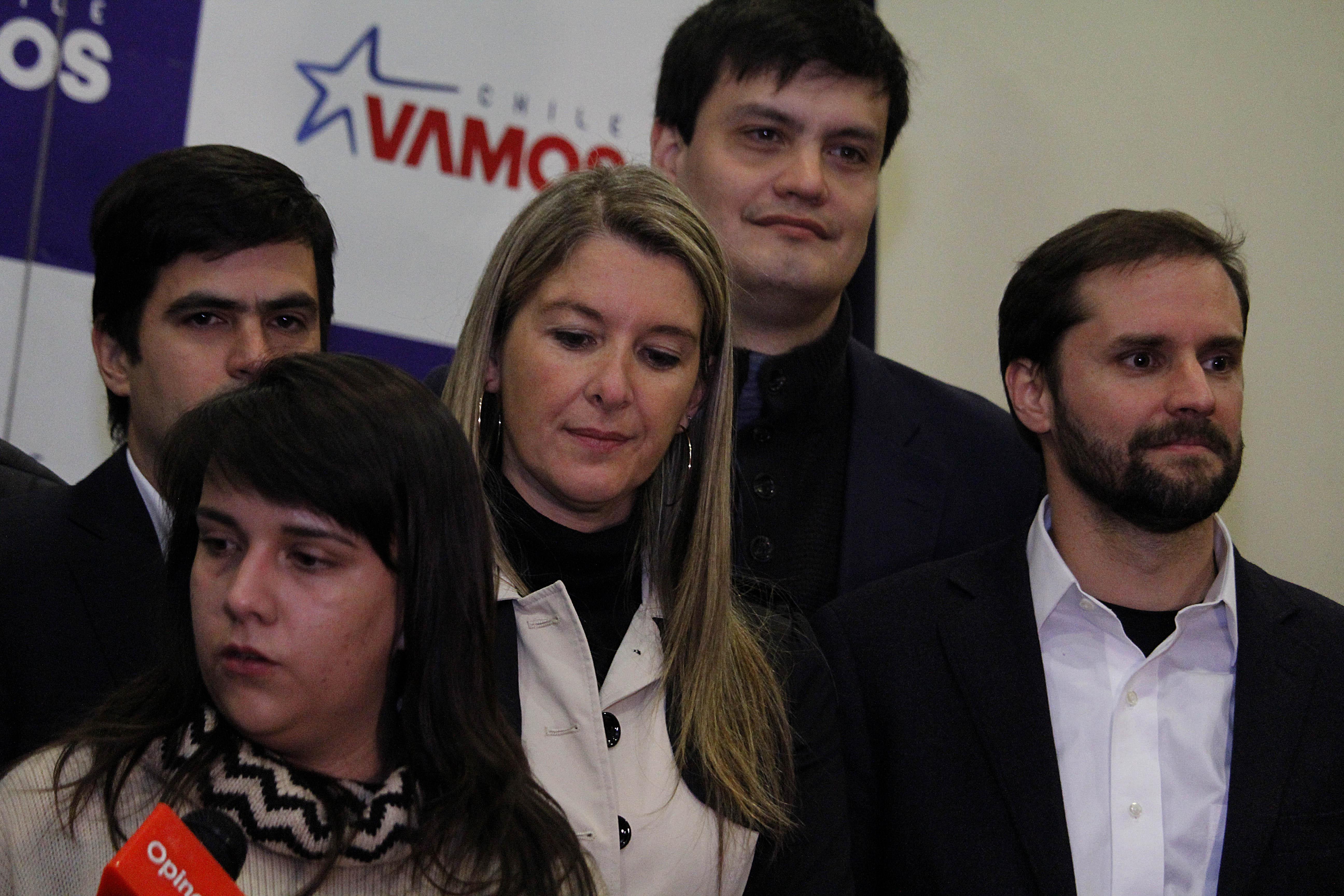"""""""Diputados UDI denuncian al gobierno por"""