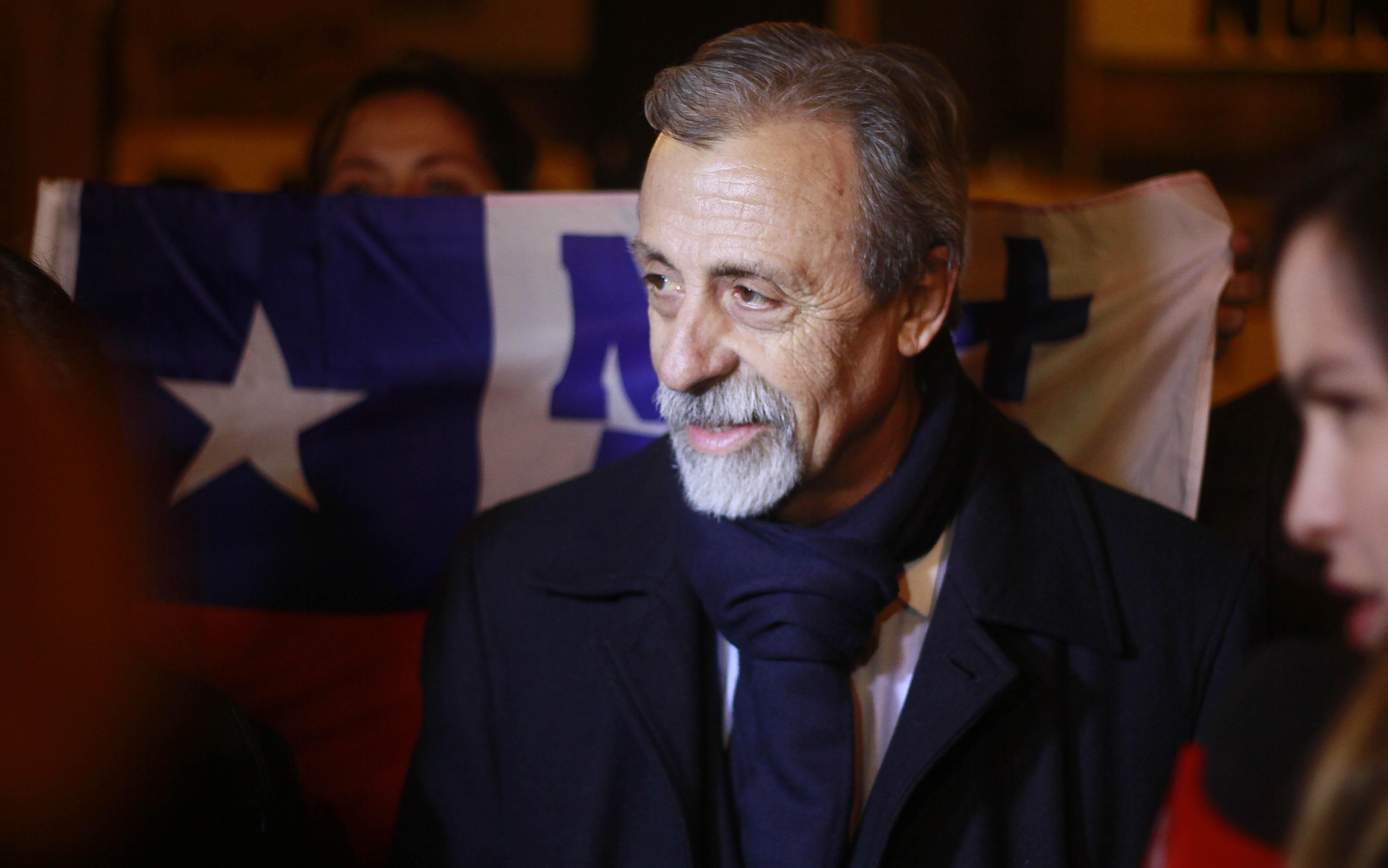 """""""Luis Mesina pide a Alejandro Guillier aclarar"""