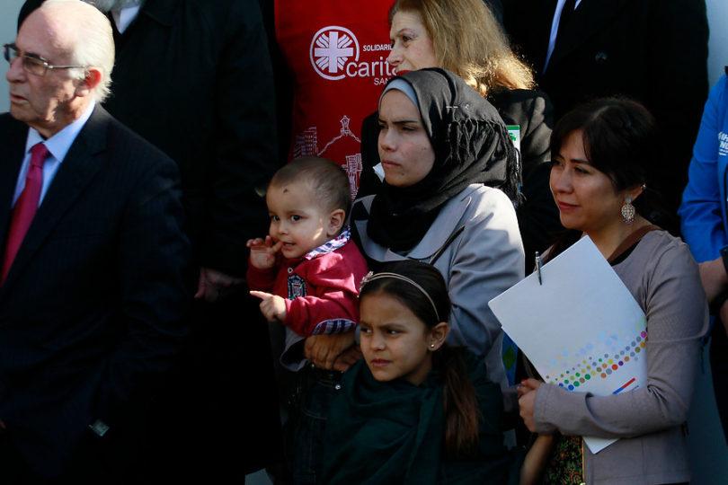 """""""Queremos irnos de Chile"""": la protesta de los refugiados sirios tras ataque a mujer embarazada"""