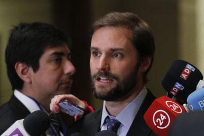"""FOTOS   """"No nos van a intimidar"""": la denuncia de Bellolio por destrucción de sede parlamentaria"""