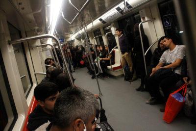 No hay caso: denuncian rayados y basura en recién inaugurada Línea 6 del Metro
