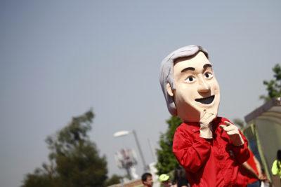 FOTOS | La triste imagen de Piñerín mientras ME-O y Guillier inauguraban un hospital con Bachelet