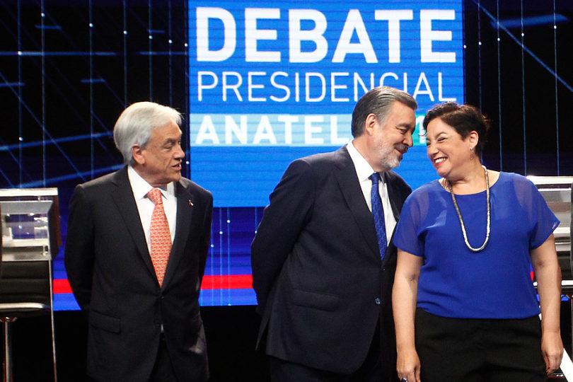 Bachelet se pone al frente de la campaña para derrotar a Piñera