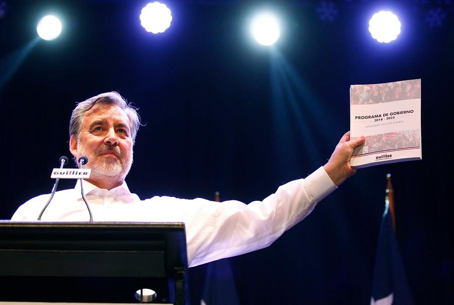 """Alejandro Guillier promete acabar con el """"abuso de los poderosos"""" en presentación de programa de Gobierno"""