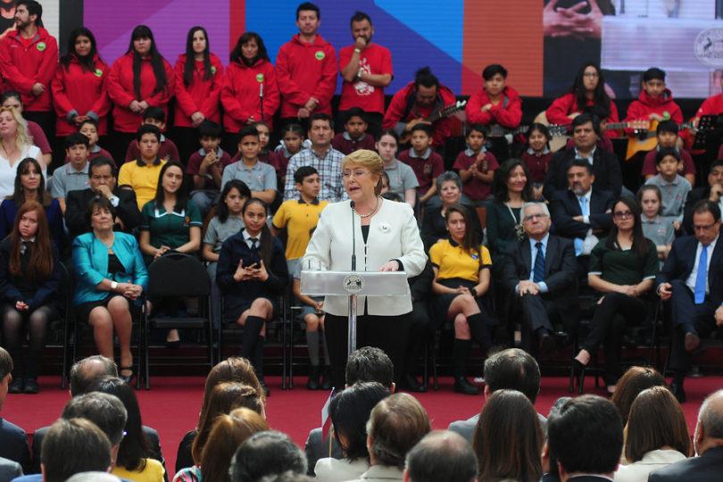 """Presidenta Bachelet en La Araucanía: """"Las consignas suenan bien, pero lo que quedan son las obras"""""""