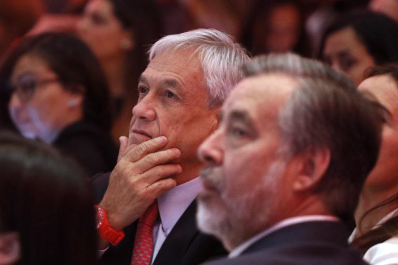 """VIDEO   """"¿Usted se tocaba con la Bomba 4?"""": la incómoda reacción de Piñera por pregunta en pleno acto"""