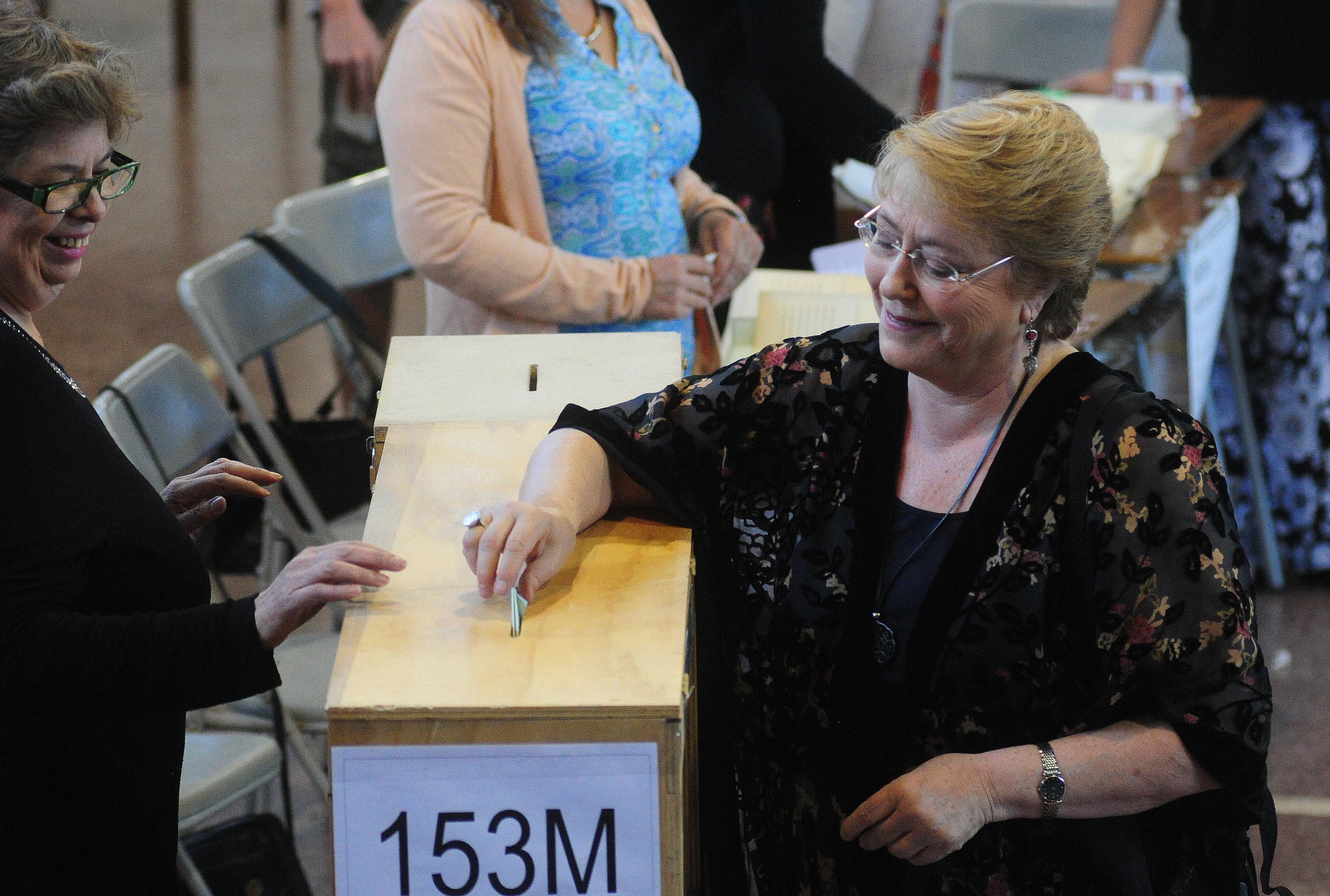 """""""Bachelet y voto en el extranjero:"""