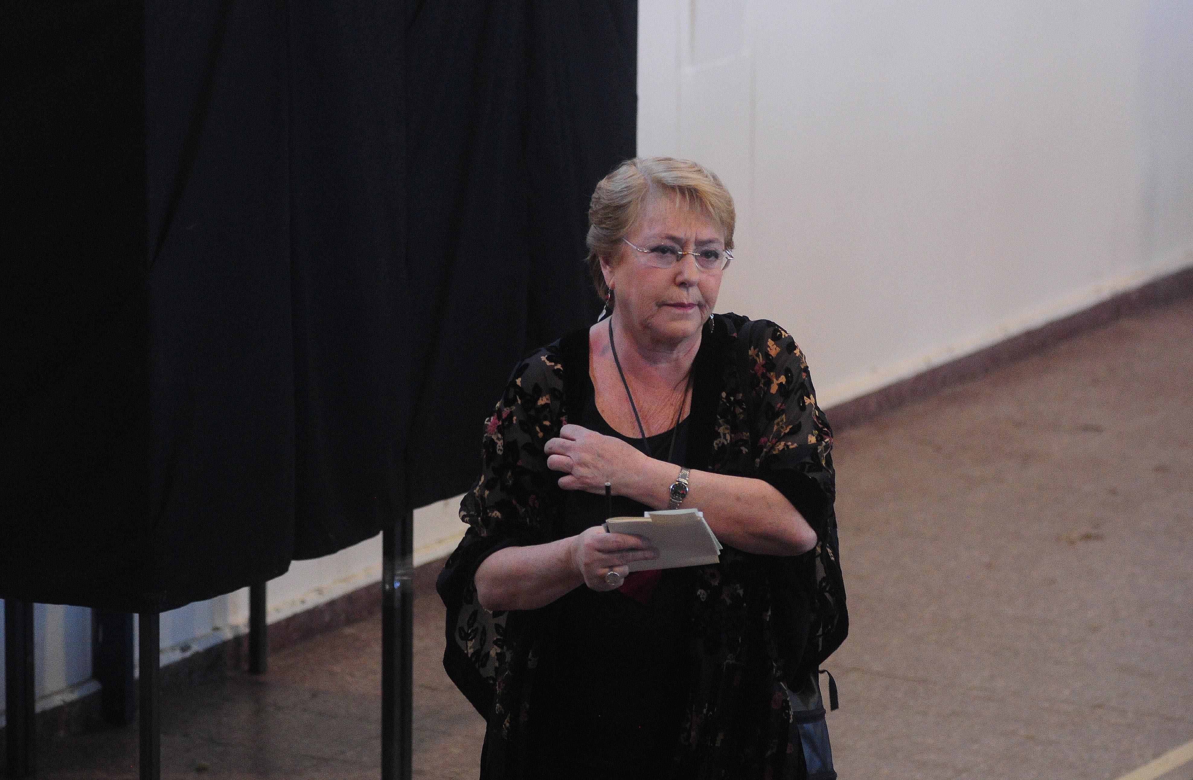 """""""Bachelet dispara contra las encuestas:"""