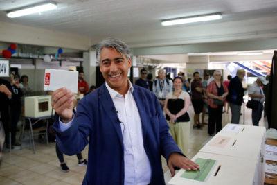 Comprobado: Marco Enríquez-Ominami pierde la mitad de los votos en cada elección que se presenta