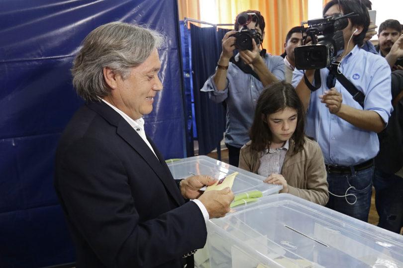 """""""Sobre pasiones y elecciones"""": la reflexión que hizo Navarro tras votar en Penco"""