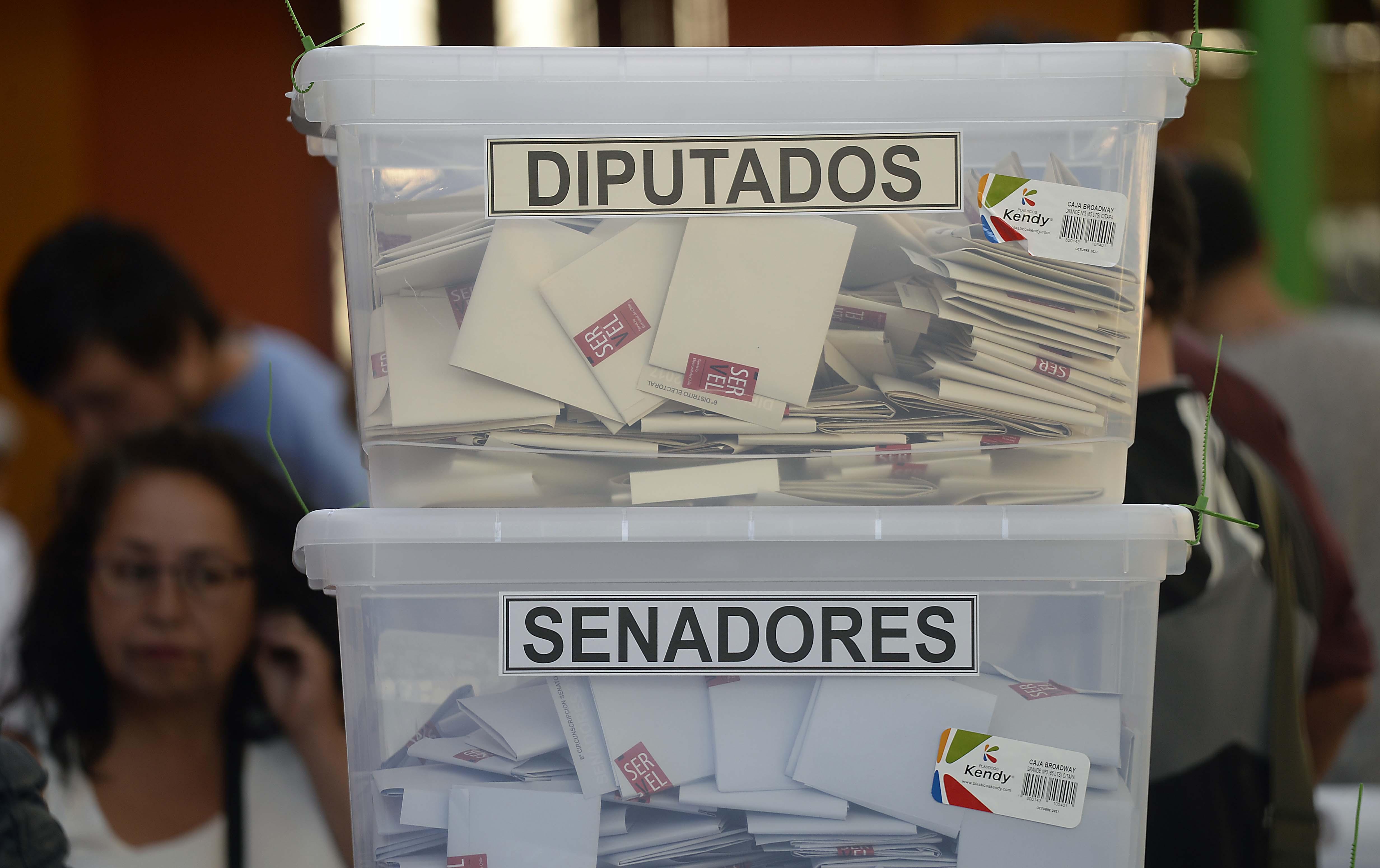 33 candidatos fueron electos con menos votos que su competencia