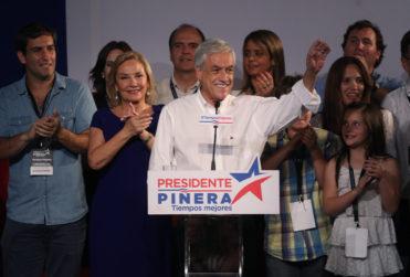 Lo dio vuelta: Sebastián Piñera le arrebató el primer lugar a Beatriz Sánchez en el extranjero