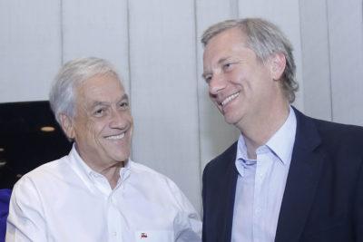 Muros en fronteras y militares en La Araucanía: Piñera incorpora medidas de seguridad de Kast a su programa