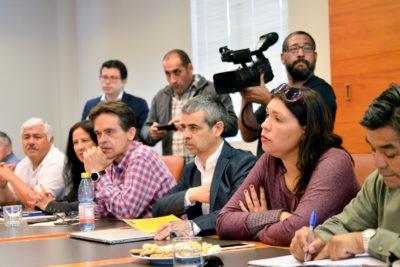 Reunión entre Gobierno y sector público finaliza sin acuerdo por reajuste salarial