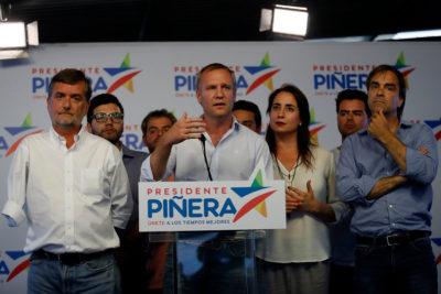 """Felipe Kast hace llamado a Alejandro Guillier """"a dejar la campaña de terror"""" contra Piñera"""