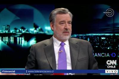 VIDEO | Guillier intenta explicar por qué era rostro pagado por las Isapres y ahora las crítica como candidato