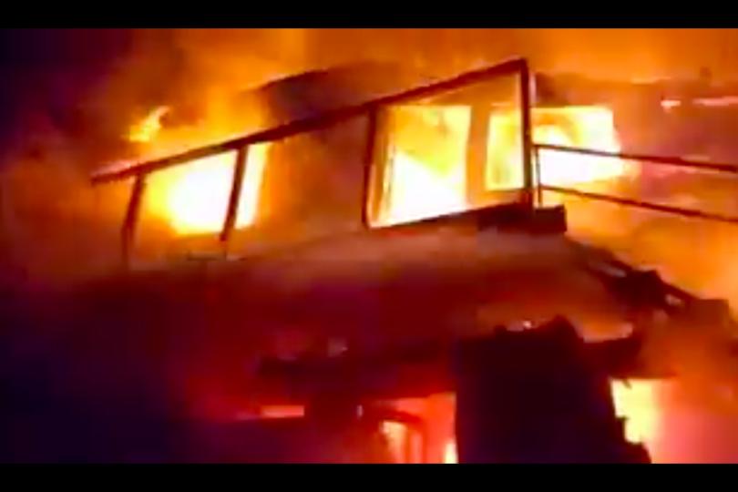VIDEOS |Incendio consumió casa del presunto autor del triple homicidio que remeció a Lota