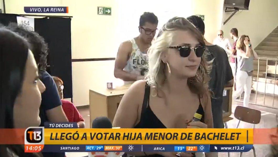 """Hija de Michelle Bachelet reafirma su apoyo a Beatriz Sánchez antes de votar: """"Ella es mi candidata"""""""