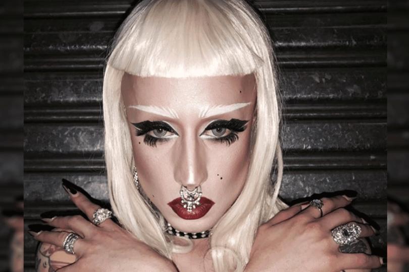 """Drag Queen que votó con Ezzati: """"Sólo pensé 'voy a salir en las fotos con él, CTM qué brígido'"""""""
