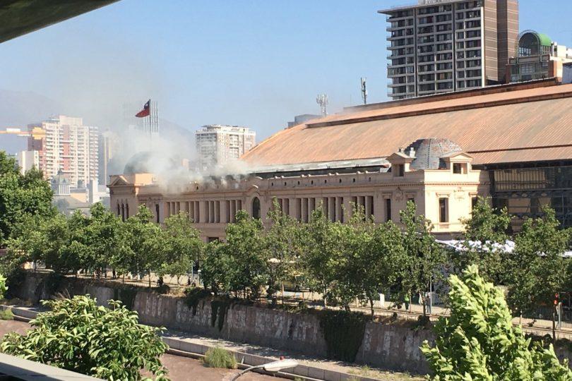 VIDEO   Presencia de humo moviliza a Bomberos hasta la Estación Mapocho