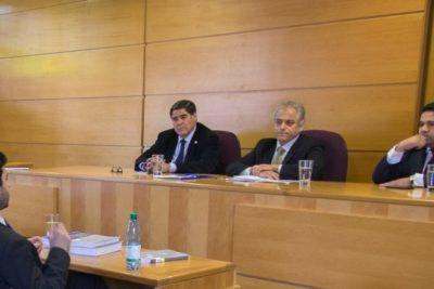 Justicia rechaza demanda por discriminación de estudiante que reprobó examen de grado