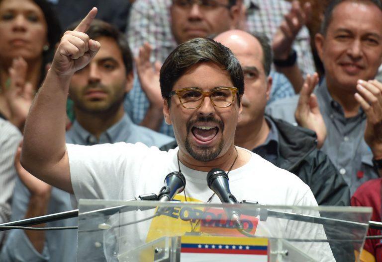 Vicepresidente de Parlamento de Venezuela analiza pedir asilo político a Chile