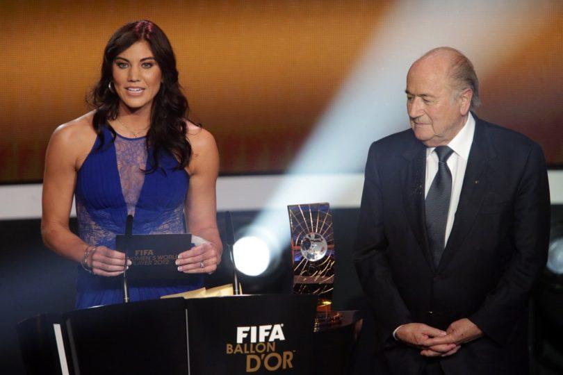 Hope Solo acusa a Joseph Blatter de acoso sexual en plena ceremonia de la FIFA