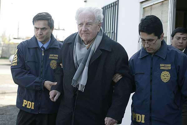 Trasladan desde la cárcel a Villa Baviera  a alemán condenado por delitos en Colonia Dignidad