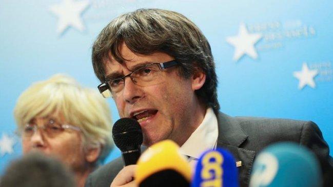 Justicia de España emite orden de captura internacional contra ex presidente de Cataluña