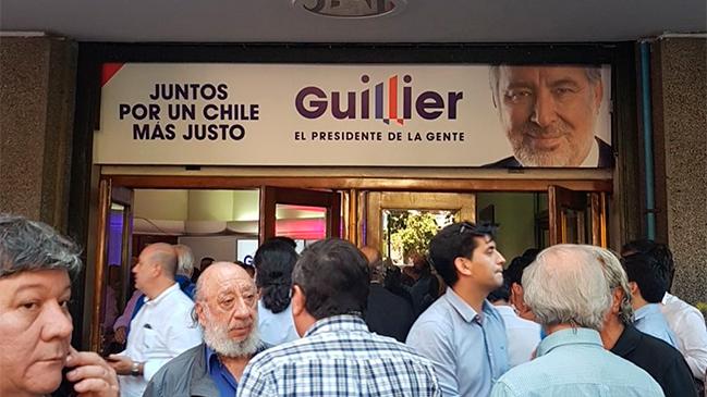 El guiño a Longueira en el nuevo slogan de Alejandro Guillier