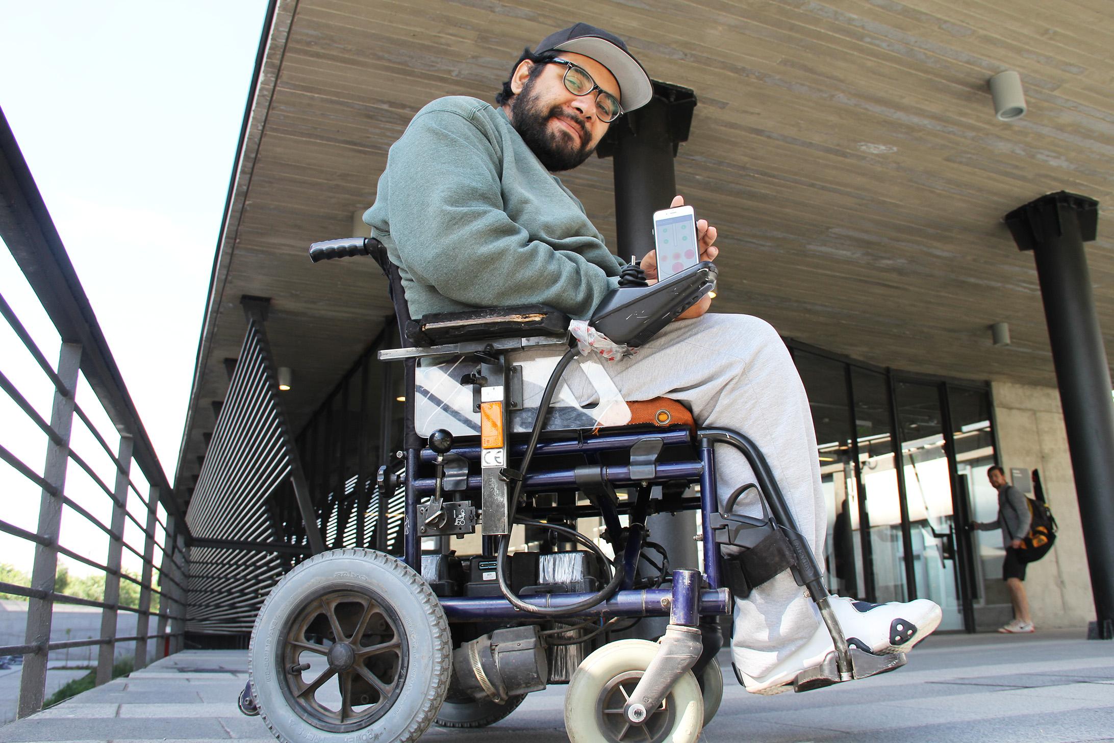 """""""Estudiante discapacitado crea dispositivo para evitar lesiones de usuarios en sillas de ruedas"""""""