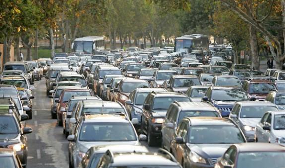 Restricción permanente a autos catalíticos empezará el 2018