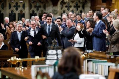 Primer Ministro de Canadá pide perdón en nombre del país a comunidad LGBT por discriminación en el pasado