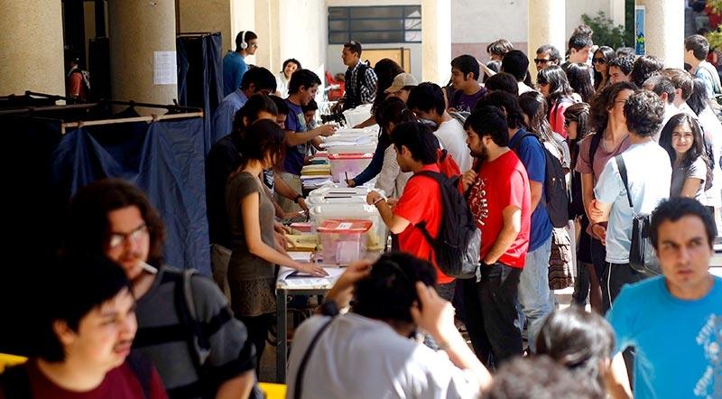 Extienden elecciones de la FECh por baja participación