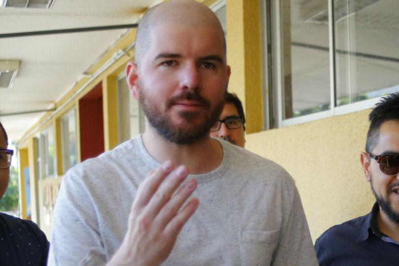 """""""Vergüenza ajena"""": Diputado Giorgio Jackson viraliza video de """"empujón"""" de Piñera a Cecilia Morel"""